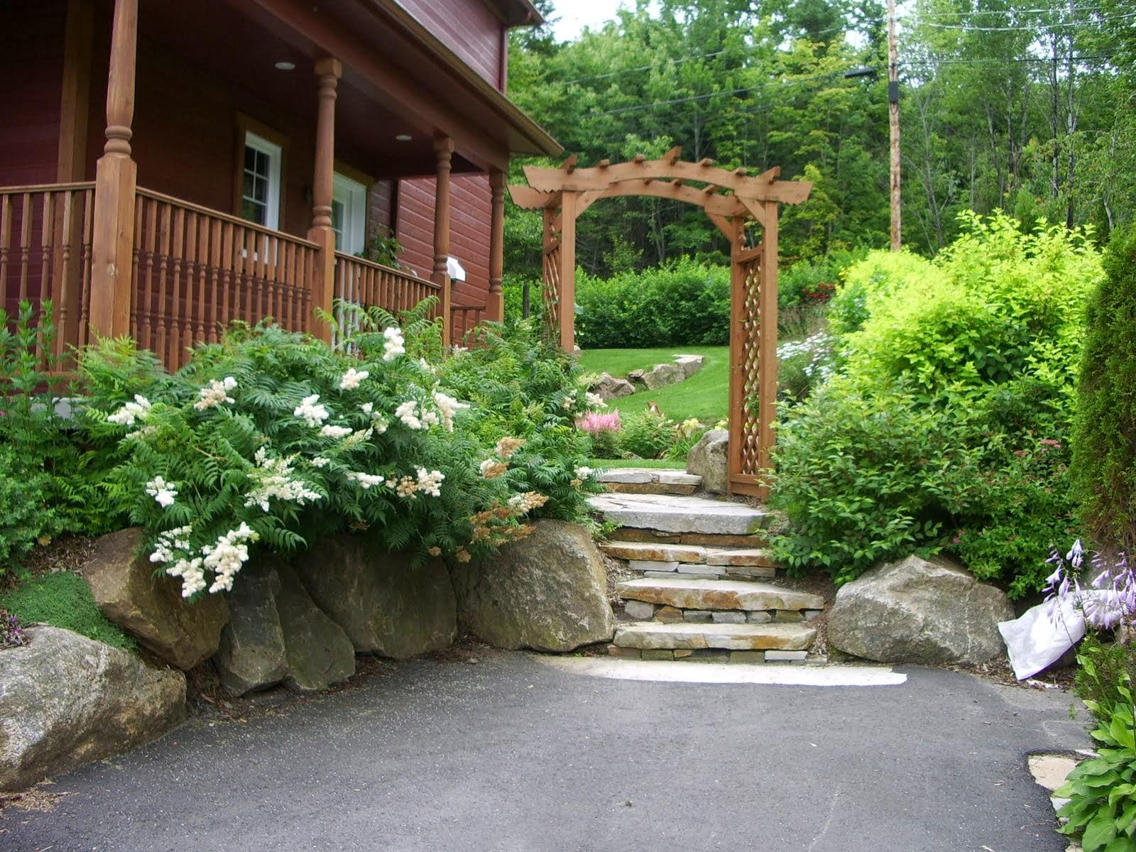 Portes de jardin et tonnelles for Porte de cour